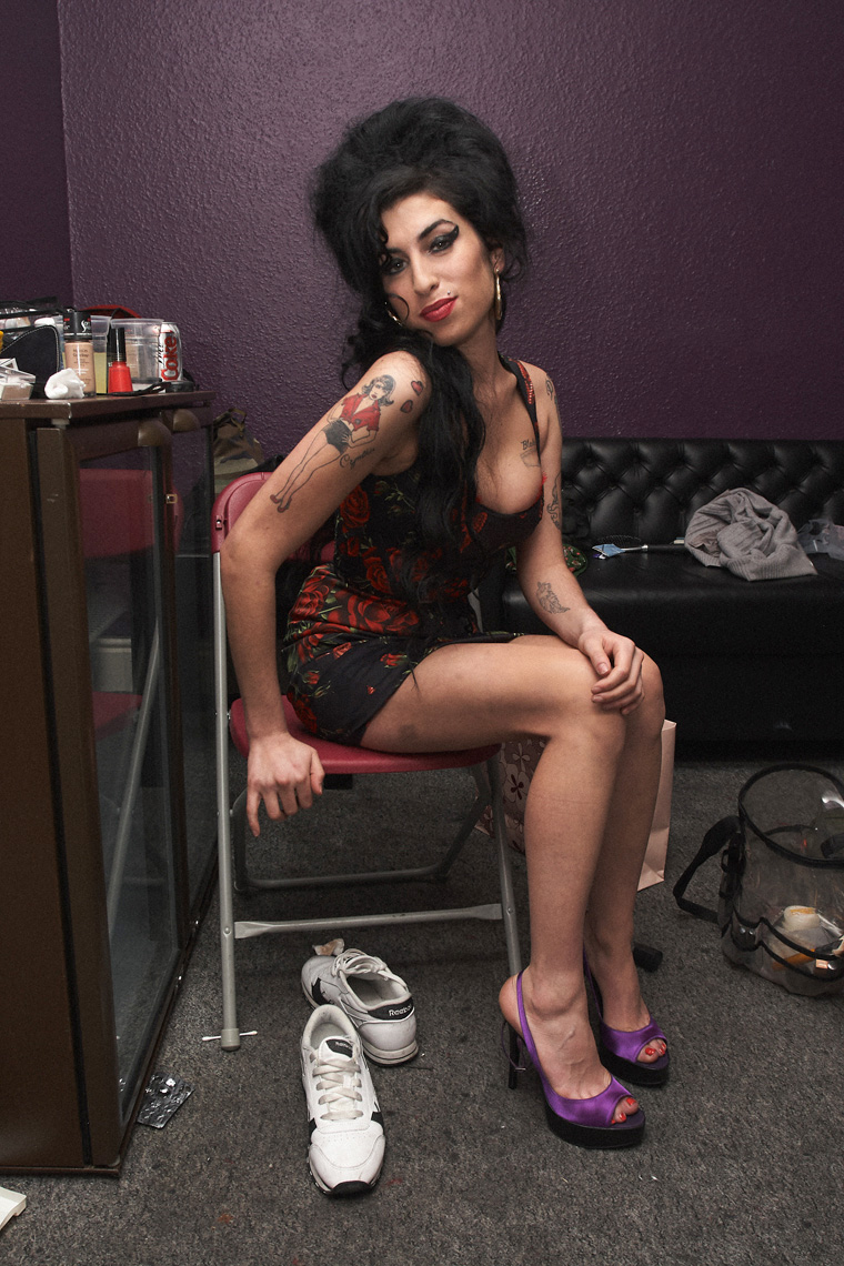 tom oxley photographs amy winehouse at koko